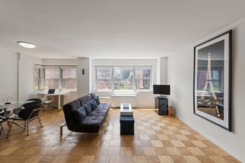 Convertible 2 Bed, 1 Bath Condop in Sutton Place